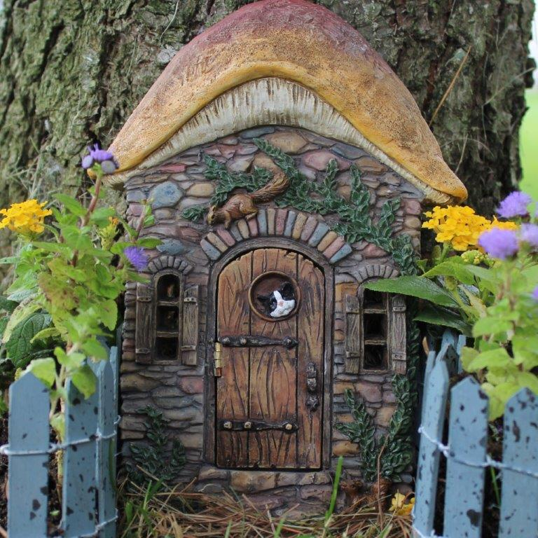 Little fairy garden fairy doors little fairy garden for The little fairy door